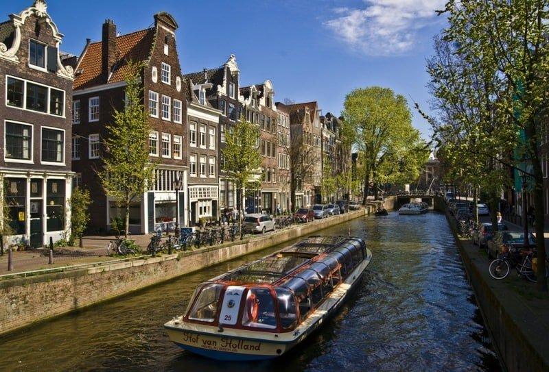 o que fazer em Amsterdã_passeio barco, rio, casas