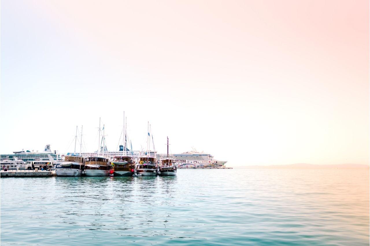 Navios De Cruzeiro Parados No Mar